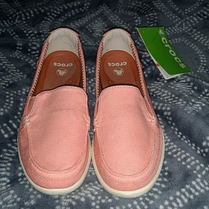 Crocs Walu canvas loafer in melon size 7 NWT